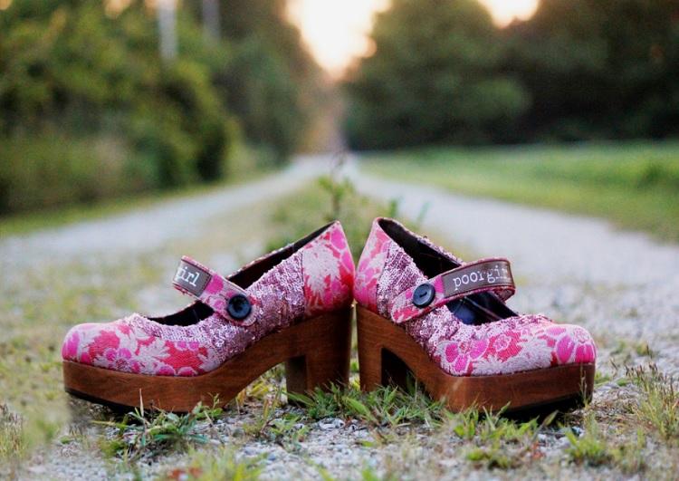 Poorgirl Shoes - Walk your Unique