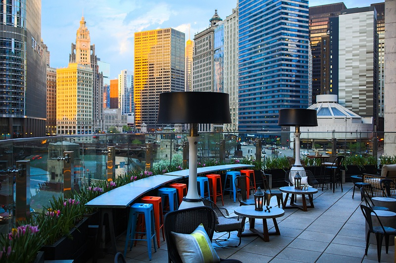 Raised An Urban Rooftop Bar In Chicago Stylechicago Com