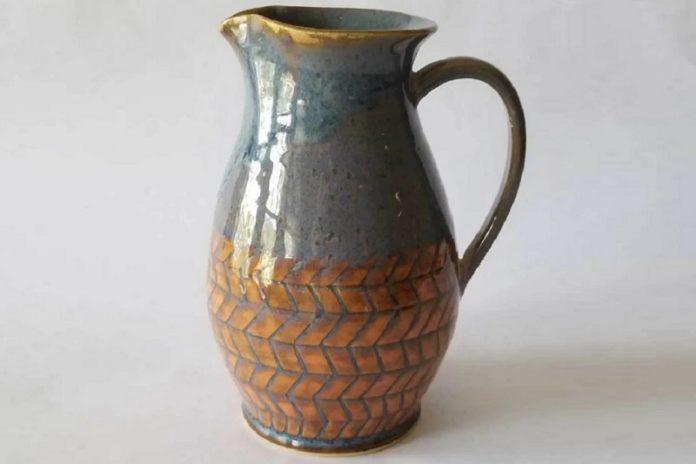 Jessica Makes Pottery