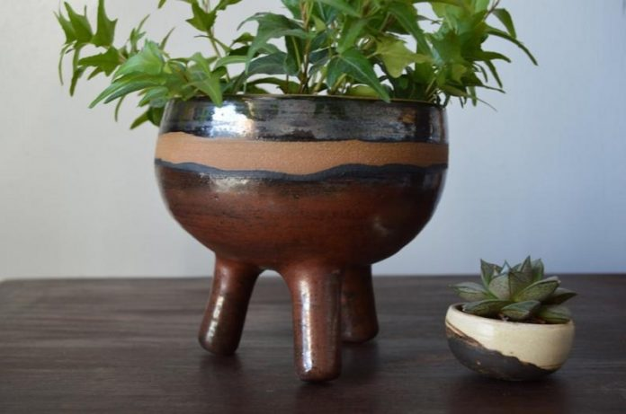 Loamly (ceramic planter with knob legs) - Chicago Artisan Market