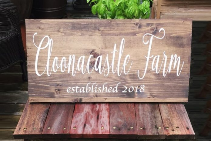 MAF Designs - Oak Brook Artisan Market (wood farm sign)